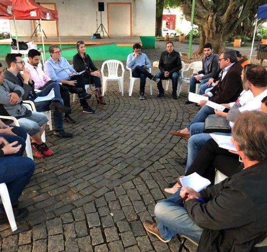 Núcleo de Empresários de Camboriú participa de encontro com prefeito